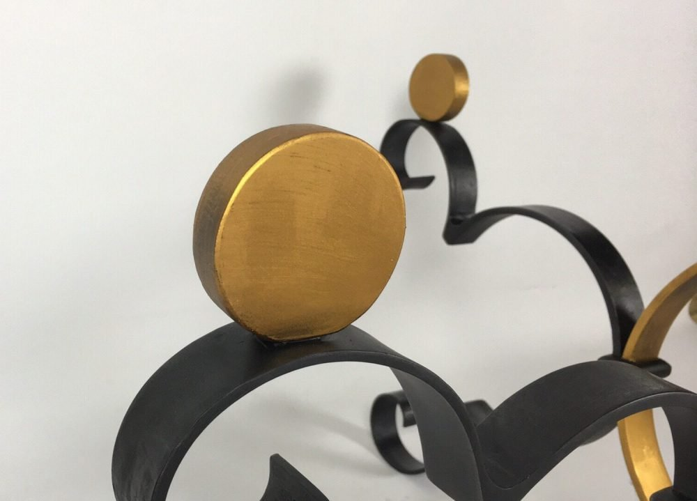 Details on Gold and Black Structure