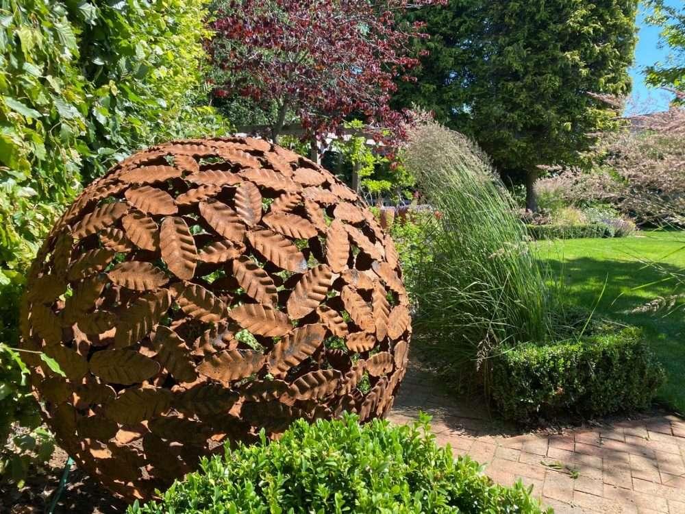 Rustic Beech Leaf Sphere