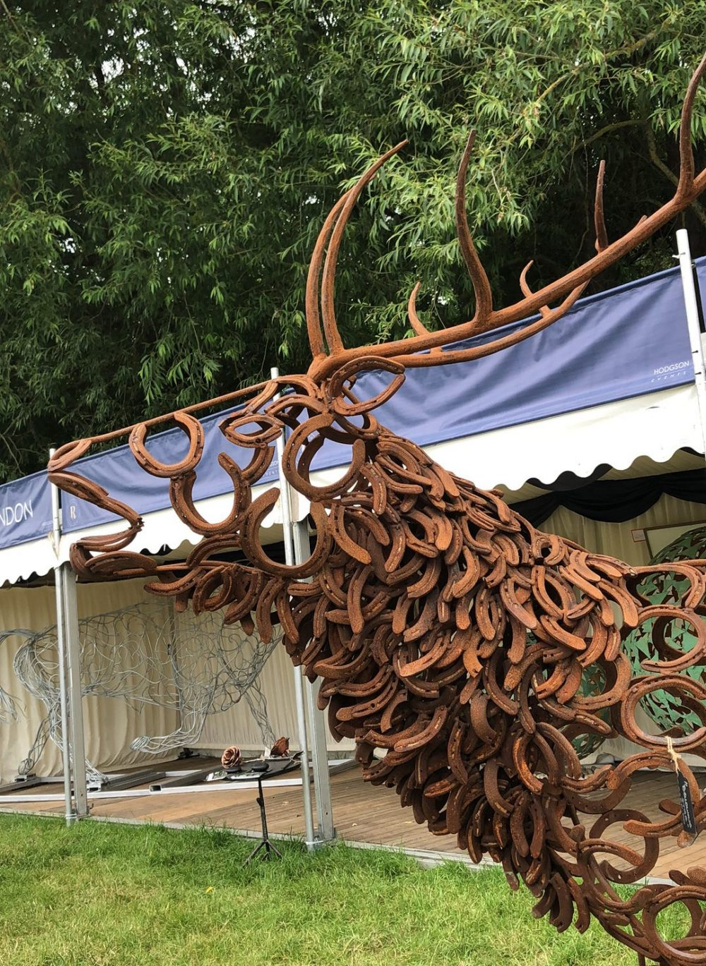 Rustic Bellowing Stag Sculpture