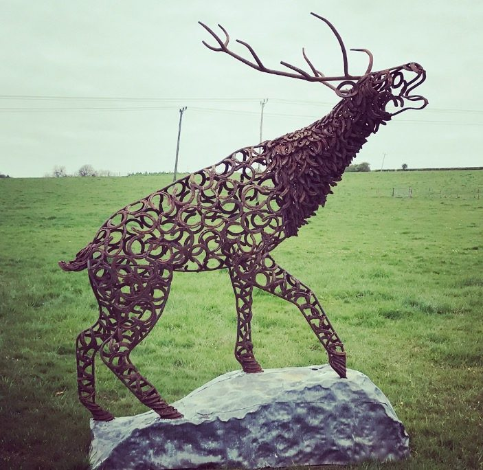 Climbing Rustic Stag Bellow Design