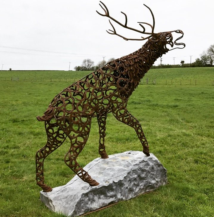 STAG BELLOW sculpture