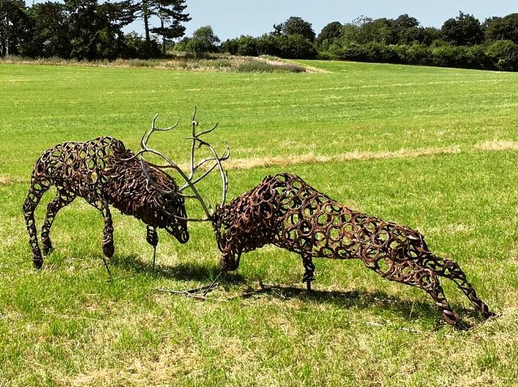Rustic Horseshoe Fighting Stags