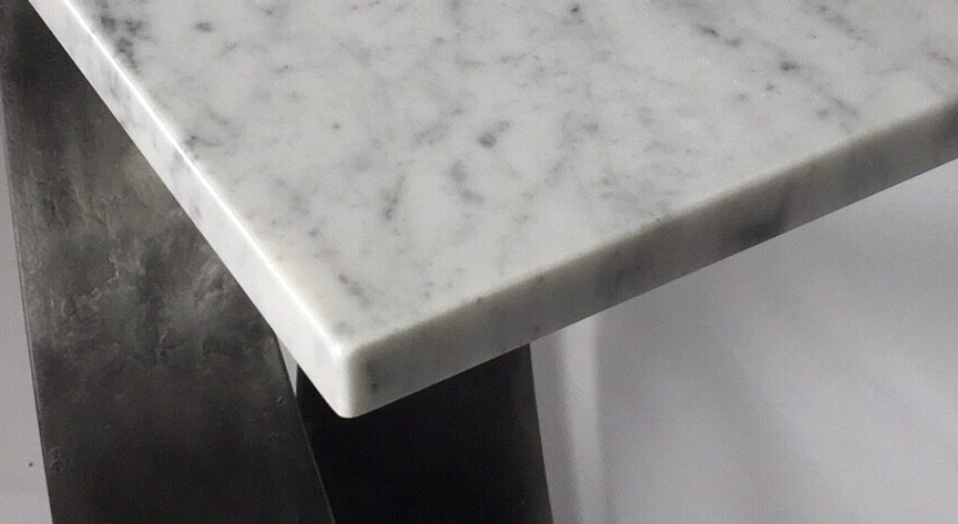 Corner Of Vagues Console Table