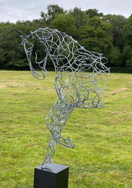 portrait horse head and legs sculpture