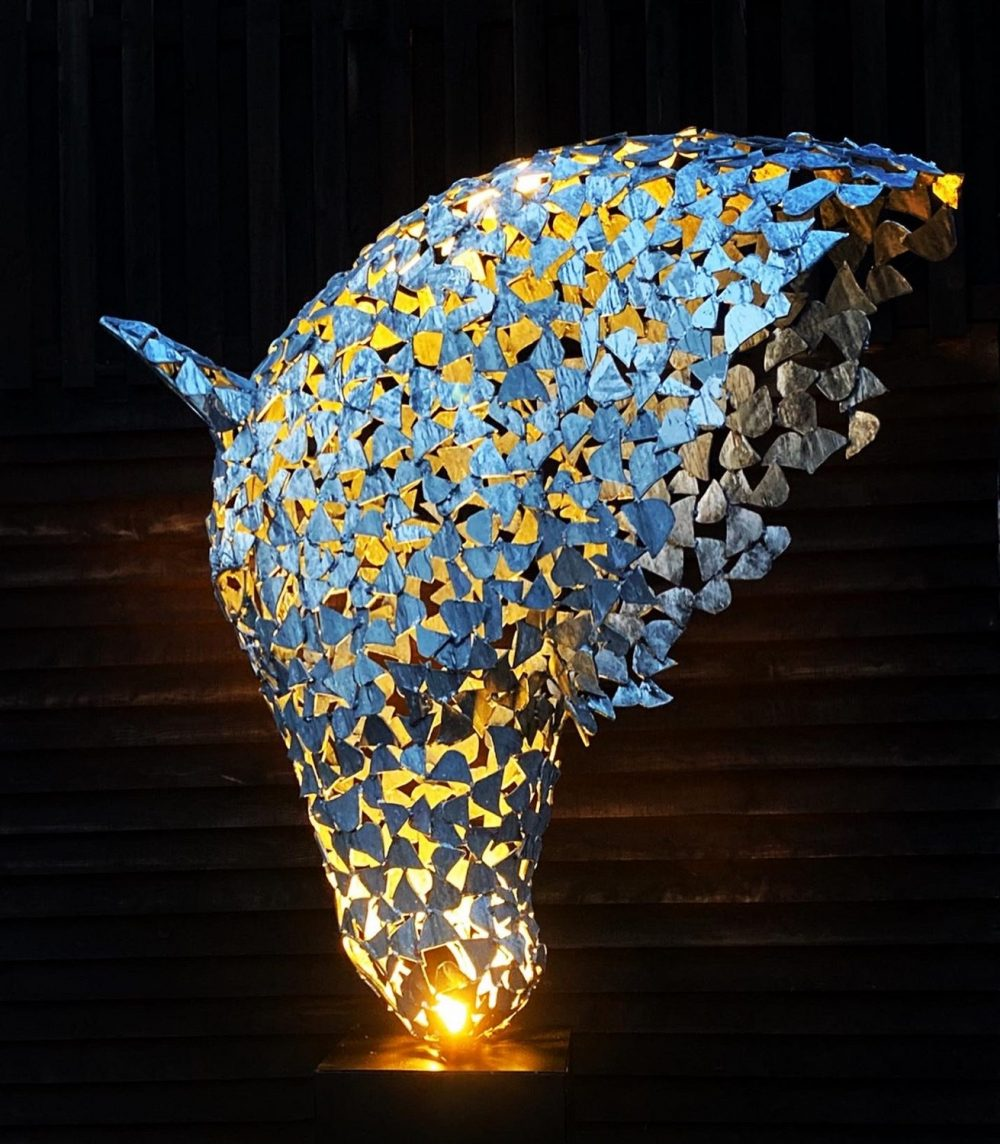 Illuminated Silver Horse Head Design